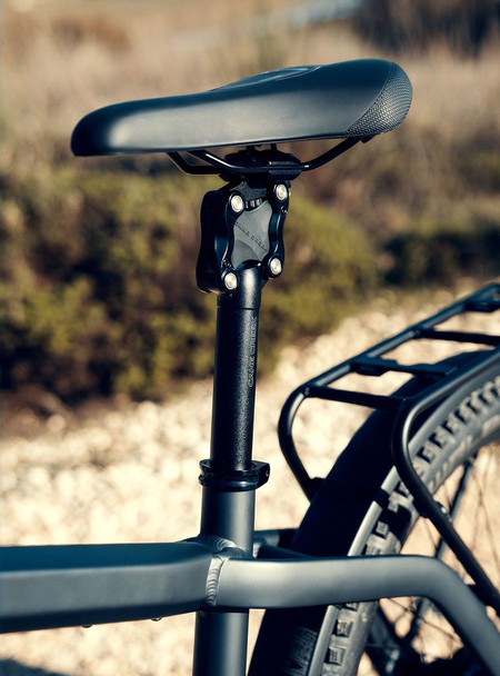riese-and-muller-charger3-saddle