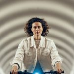riese-and-muller-nevo3-woman-in-tunnel