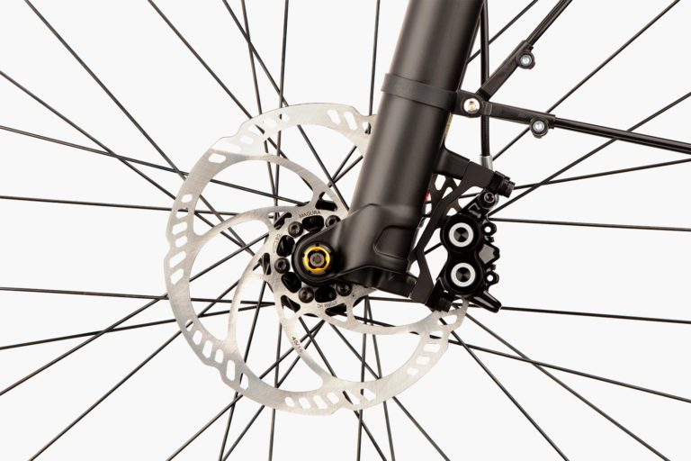 riese-and-muller-multicharger-close-up-wheel
