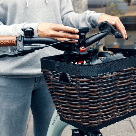 riese-and-muller-swing3-front-basket